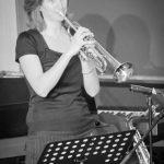 Trompeterin Verena beim Bandabend