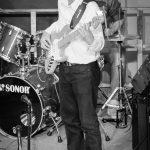 Bassist Sascha beim Bandabend