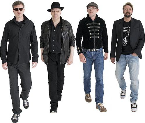 Die vier Männer von 2FOUR2: Ralph und Dieter (Guitars), Sascha (Bass) und Jan (Drums)