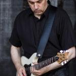 Gitarrist Dieter live on stage